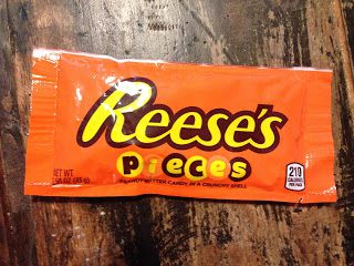 Reeses´s Pieces – Peanut butter candy in a crunchy shell