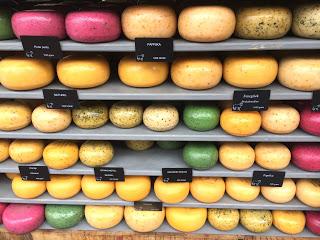 Uns fällt die Entscheidung schwer: Welchen Käse sollen wir nur nehmen?