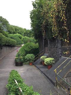 Rosengarten Fort X Köln: Es geht bergauf, der Weg lohnt sich aber!