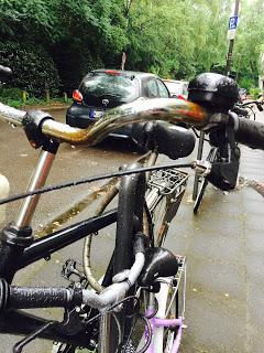 12 von 12 Fahrrad im Regen