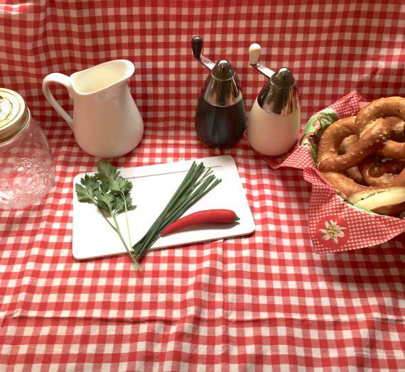 Kochen mit Kindern: Oktoberfest- Kräuterbutter (Butter selbst herstellen)