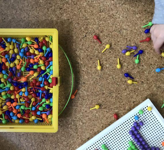 Spielen mit Kindern: Steckspiele