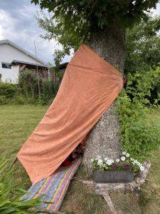 Zelt im Garten bauen